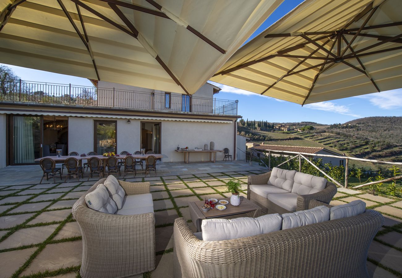 Villa in Panzano - Villa Il Tinaio with Private Pool, Garden, Terraces and Parking