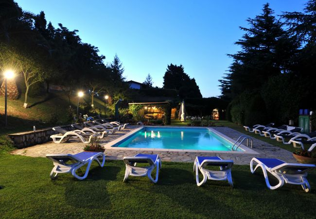 in Sant´Agata sui Due Golfi - Cottage Isaura B with Shared Pool, Parking and Air Conditioning