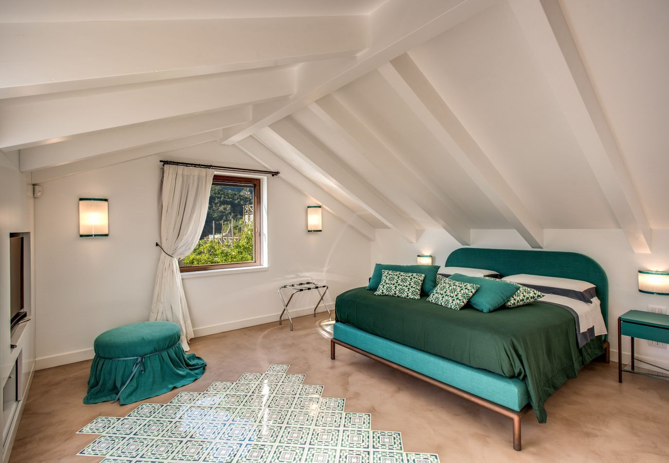 Villa in Amalfi - AMORE RENTALS - Villa Diana with Sea View, Infinity Pool and Air Conditioning